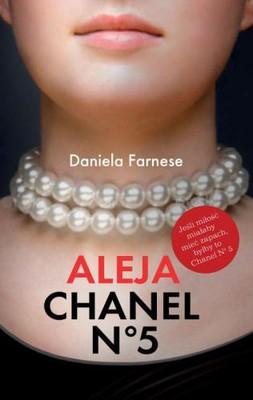 Daniela Farnese - Aleja Chanel No 5